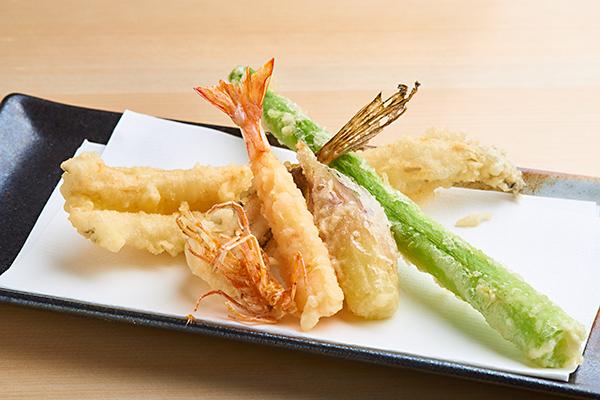 寿司カウンター新設!江戸前寿司を存分に味わって下さい!