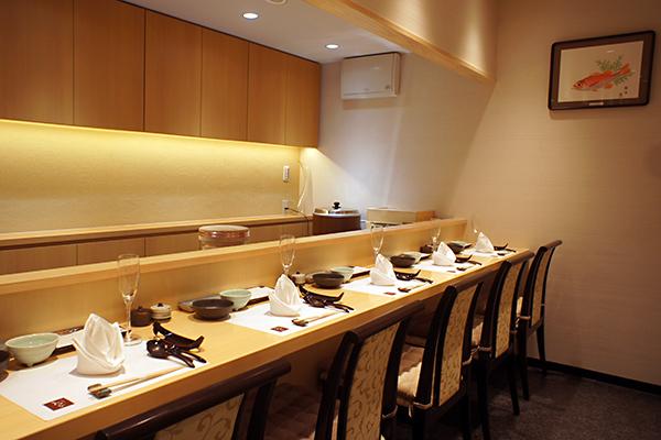 寿司カウンター|目の前で調理が見える席